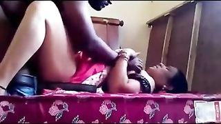 अपने मालिक के साथ भारतीय चाची सेक्स वीडियो