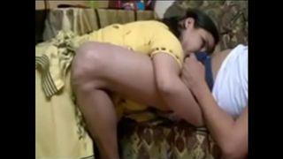 युवा कॉलेज लड़के के साथ गुजराती चाची हॉट सेक्स