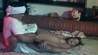 भारतीय पत्नी सेक्स वीडियो नौकर के साथ