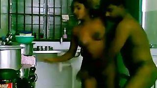भारतीय युगल सेक्स रसोई घर में