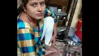 मुंबई पत्नी का सेक्स एमएमएस के साथ युवा पड़ोसी