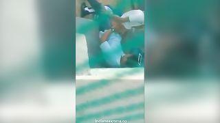 छिपे हुए कैमरे एमएमएस की लड़की के साथ आउटडोर सेक्स