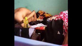 भारतीय भाभी घर का सेक्स एमएमएस चुपके से दर्ज की गई