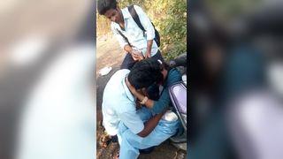 कॉलेज के छात्रों के चुंबन भारतीय, एमएमएस स्कैंडल्स