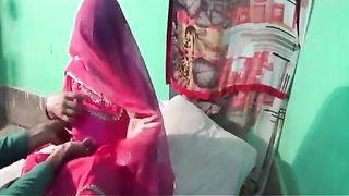 हिंदी सेक्स वीडियो की इस bhabhis दूसरी पहली रात