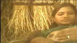 देसी गांव लड़की मुश्किल कमबख्त में फार्महाउस