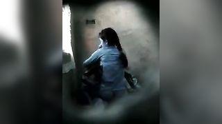 xxx वीडियो गांव की किशोरी के साथ हार्डकोरे चाचा द्वारा