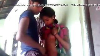 भारतीय गांव अश्लील किशोरों की लड़की के साथ पड़ोसी