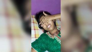 अनदेखी अश्लील वीडियो क्लिप के किशोरों के गांव की लड़की के साथ चचेरे भाई