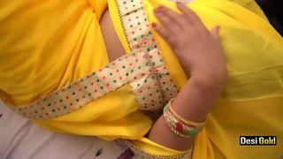हॉट इंडियन भाभी बड़े स्तन सेक्स वीडियो
